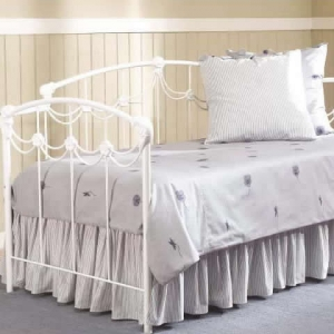 Ribbon Daybed by Kimberly